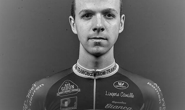 Niels de Vriendt, a 20-year-old Espoir who raced for VDM-Trawobo, died this afternoon after a crash in one Cat 1.12 Elite practice race in Wortegem-Petegem (Bel) RIP Niels …Rust in Vrede…