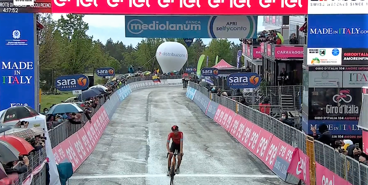 The Swiss Gino Mader (Bahrain Victorious) takes the win in the Giro today, but the pink jersey is for Attila Valter after stage 6. Dan Martin (ISN) takes the podium in 3rd place and enters the top 10 in the GC.